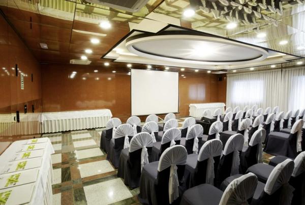 Hotel Holiday Inn Andorra Sala reuniones
