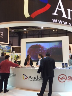 Stand fitur 2016