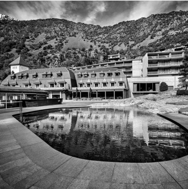 Conocemos al equipo del Andorra Park Hotel , su director, jefe de eventos y chef. Es miembro de Andorra Convention Bureau.